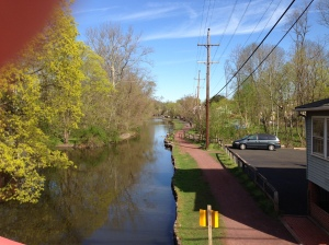 The beginning of the towpath from Cramer's in Yardley, heading north.